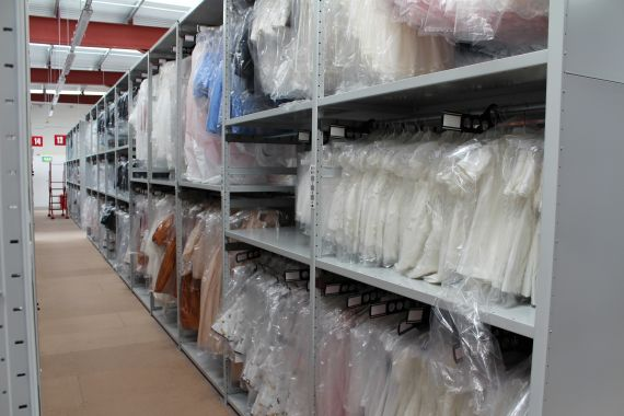 The shelving element of this project required over 6'000 adjustable shelf levels and garment hanging rails