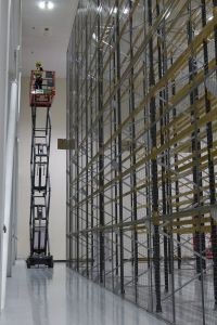 Anti-collapse mesh fitted to the single-sided pallet racking for protection of goods and staff.