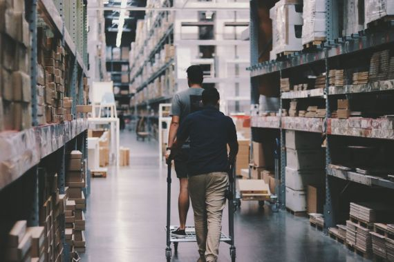 Top-tips-to-improve-warehouse-management-and-operations